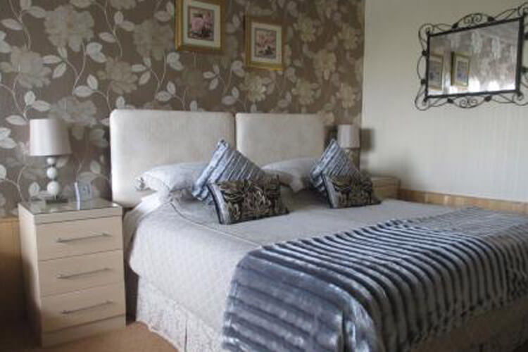 Estuary Lodge - Image 2 - UK Tourism Online