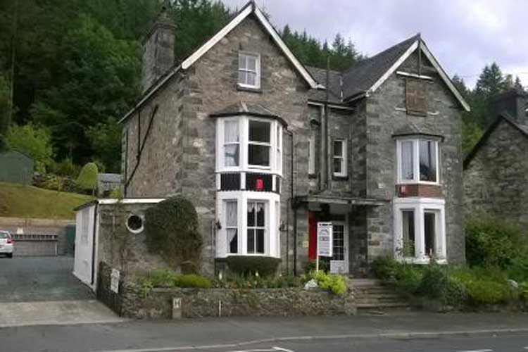 Glan Llugwy Guest House - Image 1 - UK Tourism Online