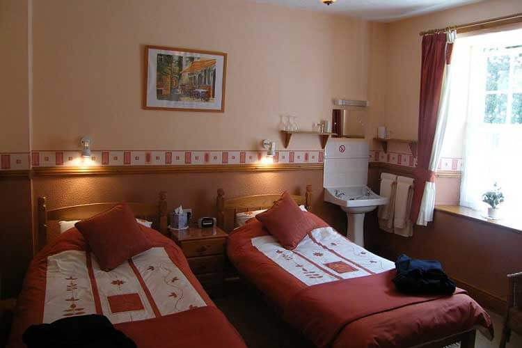 Glan Llugwy Guest House - Image 3 - UK Tourism Online