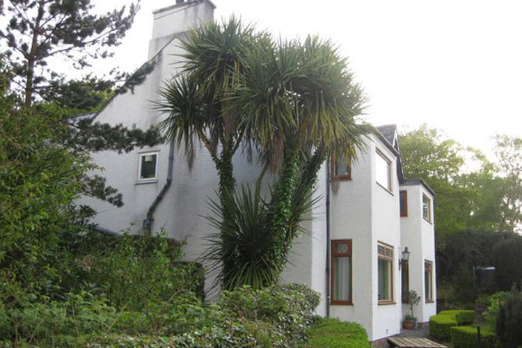 Glyn Peris Guest House - Image 1 - UK Tourism Online