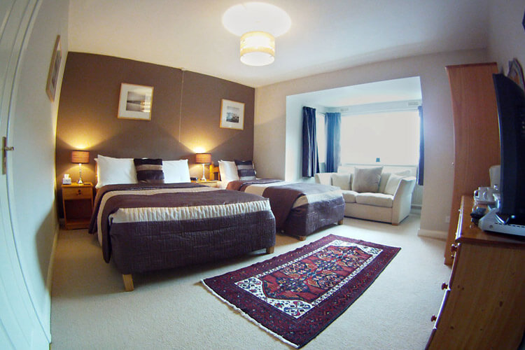 Glyn Peris Guest House - Image 3 - UK Tourism Online