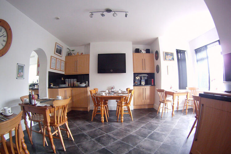 Glyn Peris Guest House - Image 4 - UK Tourism Online