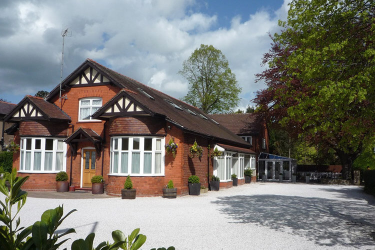 Grove Guest House - Image 1 - UK Tourism Online