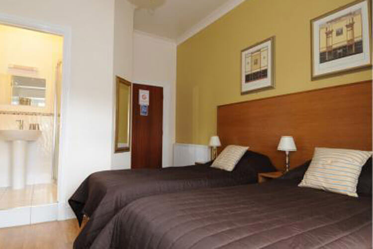 Grove Guest House - Image 3 - UK Tourism Online