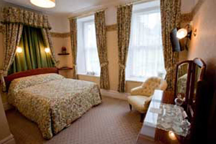 Gwrach Ynys Country Guest House - Image 4 - UK Tourism Online