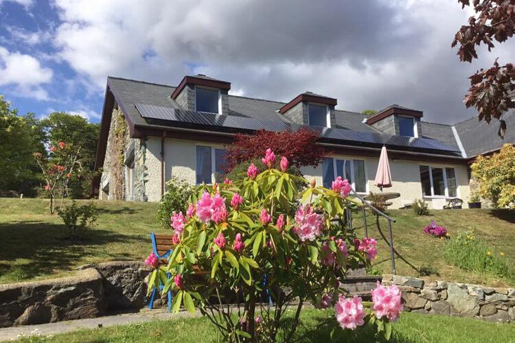 Heulwen Guest House - Image 1 - UK Tourism Online