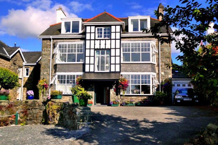 Maelgwyn House - Image 1 - UK Tourism Online