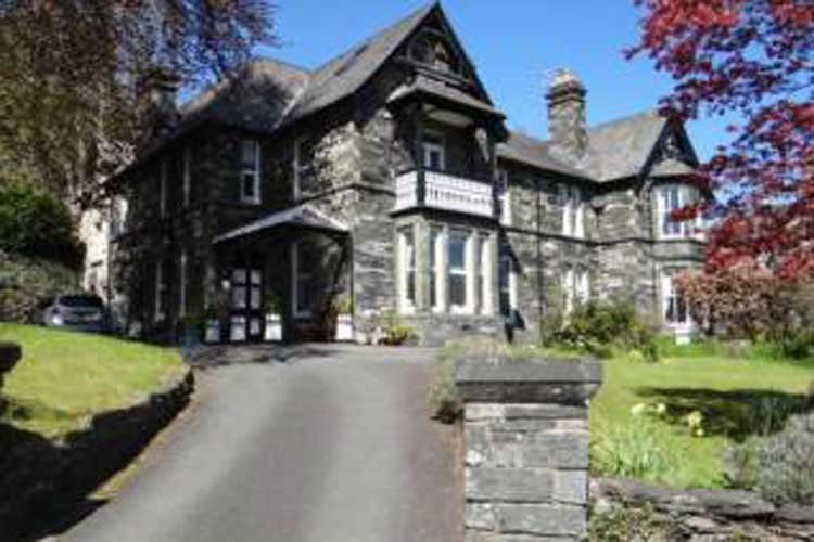 Marys Court Guest House - Image 1 - UK Tourism Online