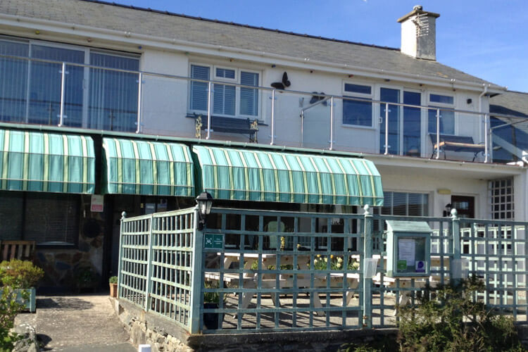Morlyn Guest House - Image 1 - UK Tourism Online