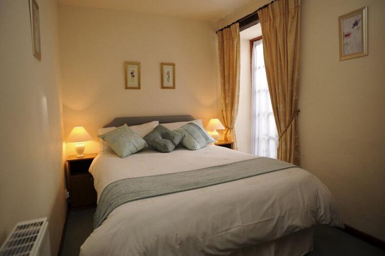 Parc Newydd Cottages - Image 1 - UK Tourism Online