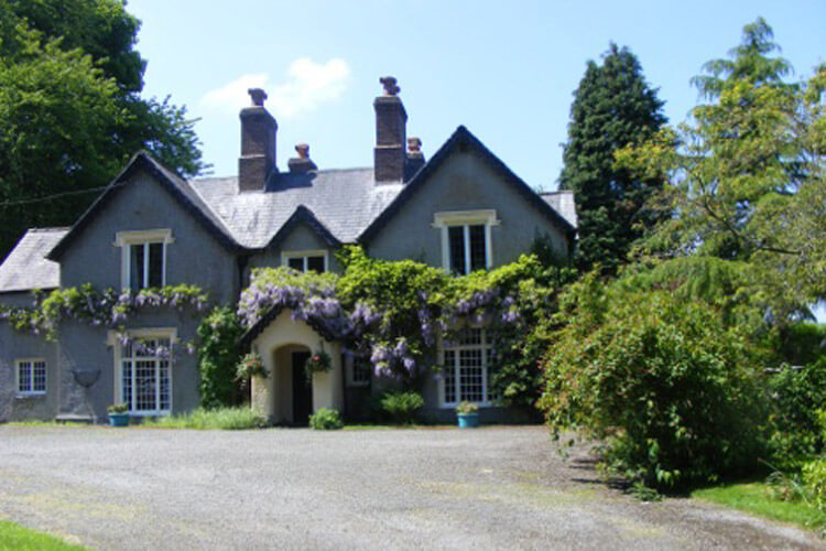 Plas Derwen Country House - Image 1 - UK Tourism Online