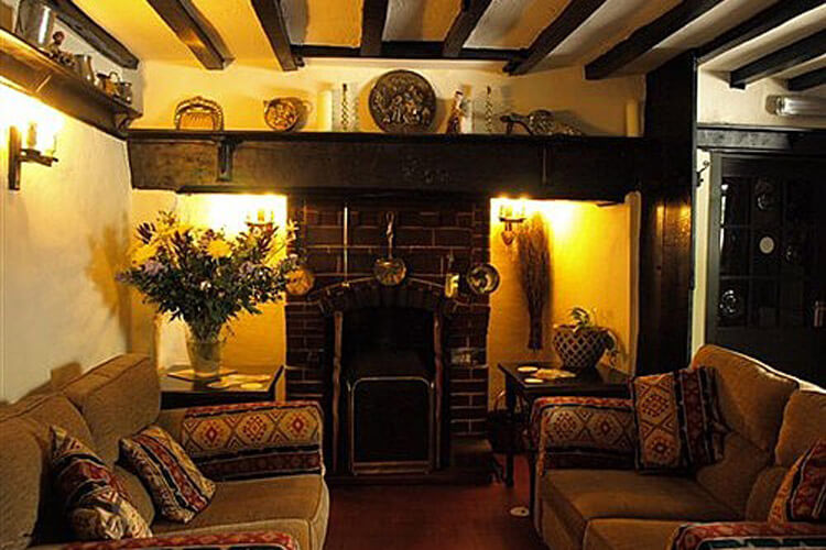 The Hawk And Buckle Inn - Image 2 - UK Tourism Online