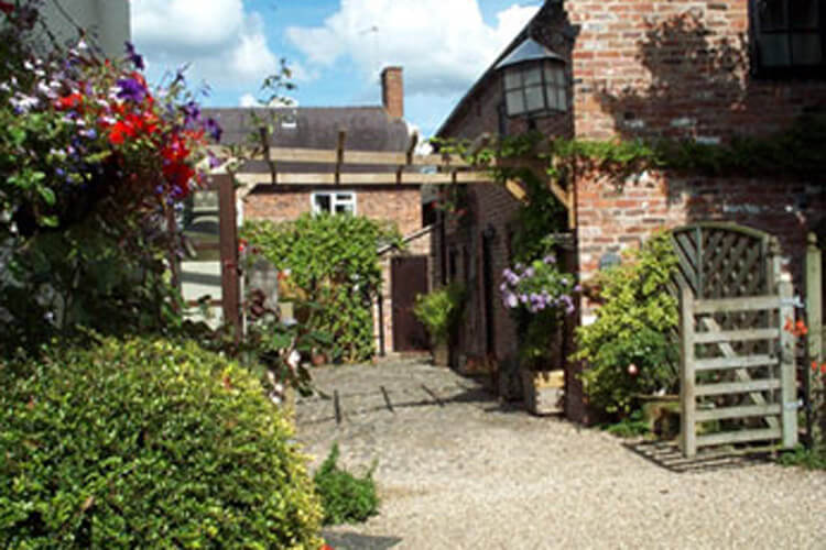 The Stableyard Guest Accommodation and Self Catering Cottages - Image 1 - UK Tourism Online