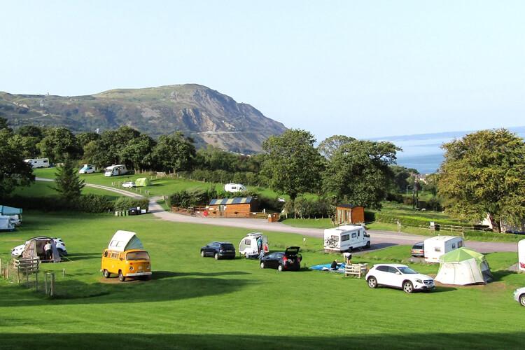 Trwyn-yr-Wylfa Camping Site - Image 1 - UK Tourism Online