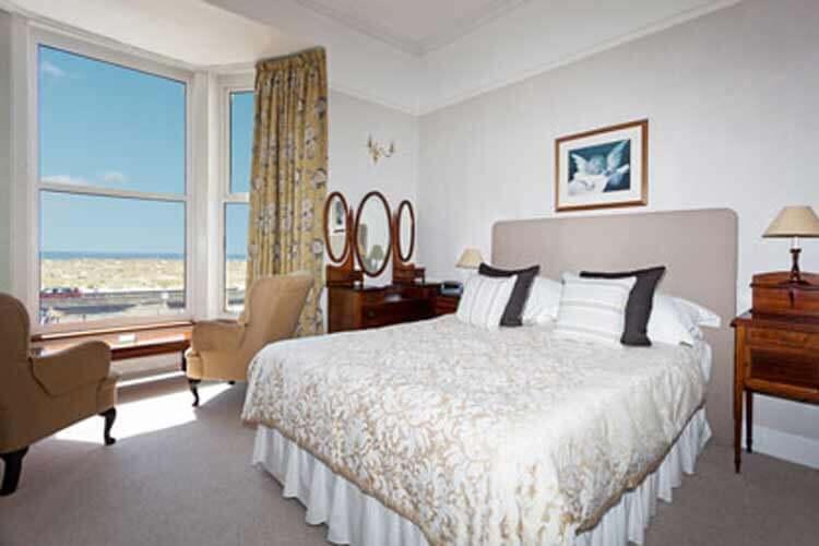 Wavecrest Bed and Breakfast - Image 1 - UK Tourism Online
