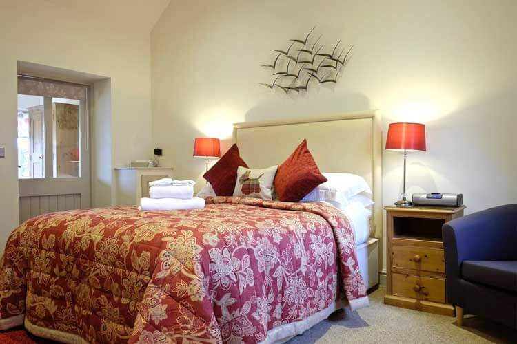 Canaston Oaks Luxury Farmhouse Accommodation - Image 2 - UK Tourism Online