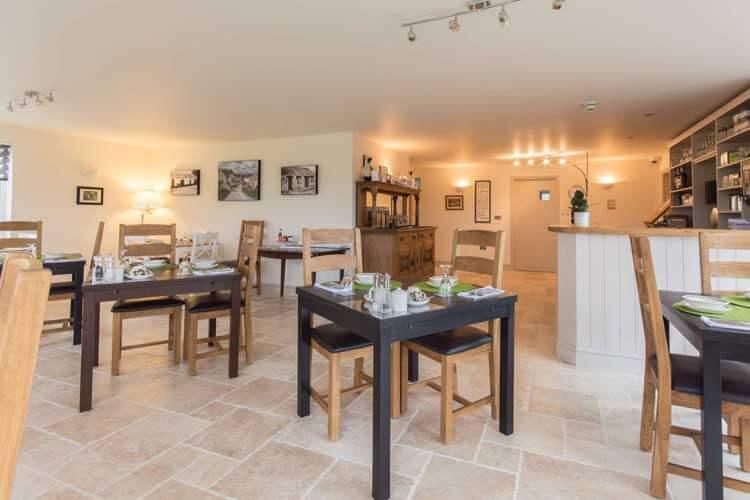 Canaston Oaks Luxury Farmhouse Accommodation - Image 5 - UK Tourism Online