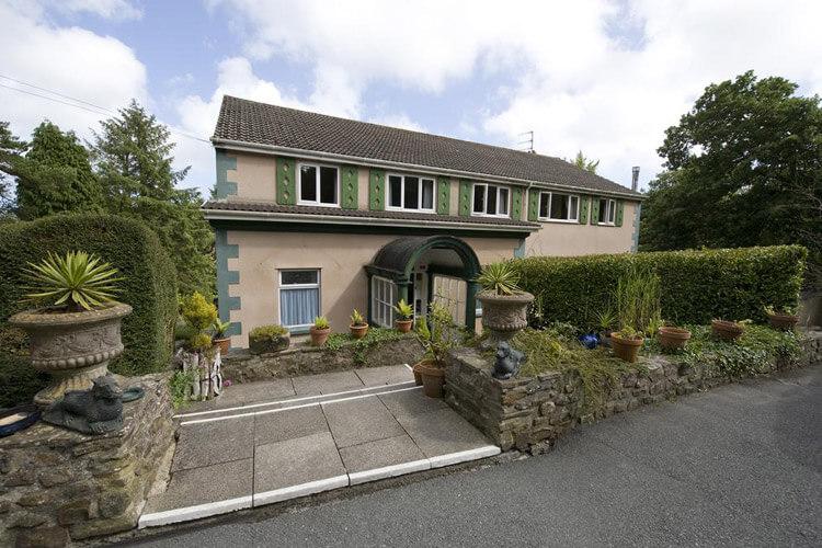 Cwmwennol Country House - Image 1 - UK Tourism Online