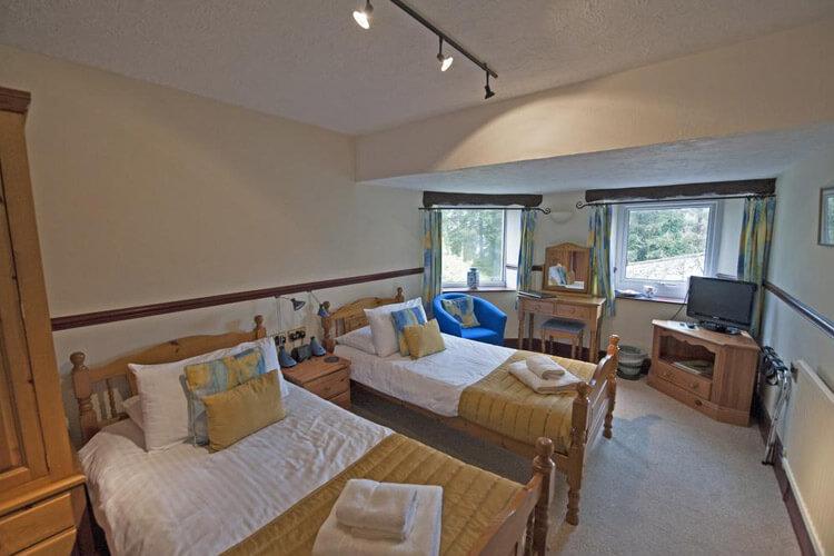 Cwmwennol Country House - Image 3 - UK Tourism Online