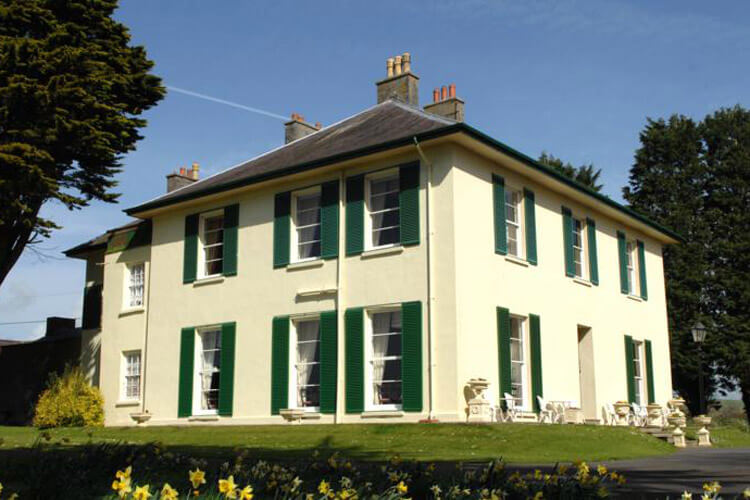 Elm Grove Country House - Image 1 - UK Tourism Online