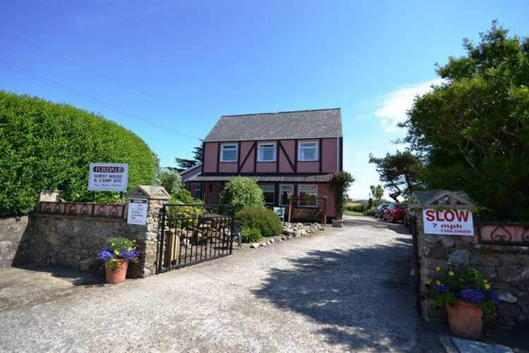 Foxdale Guesthouse - Image 1 - UK Tourism Online
