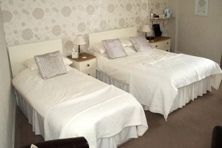 Glenthorne Guest House - Image 3 - UK Tourism Online