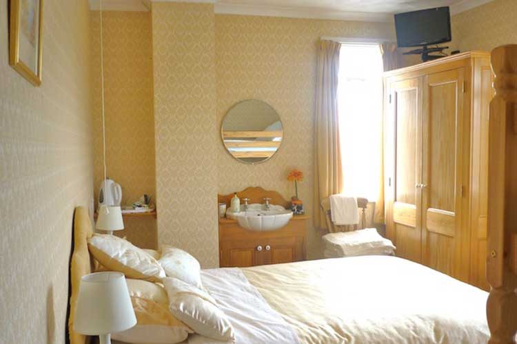 Green Grove Bed and Breakfast - Image 2 - UK Tourism Online
