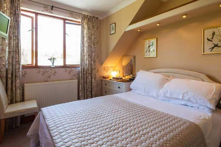 Langdon Farm Guest House - Image 2 - UK Tourism Online