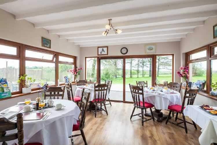 Langdon Farm Guest House - Image 5 - UK Tourism Online