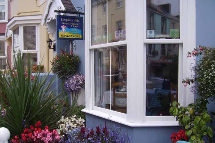Langdon Villa Guest House - Image 1 - UK Tourism Online