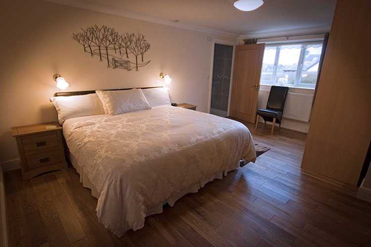 Lovesgrove Country Guest House - Image 1 - UK Tourism Online