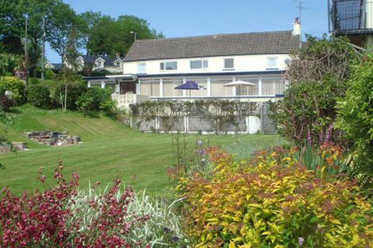 Manian Lodge - Image 1 - UK Tourism Online