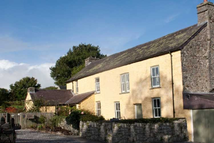 Plas Farmhouse Bed and Breakfast - Image 1 - UK Tourism Online