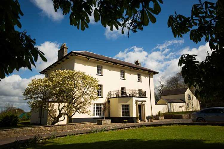 Portclew House and Cottages - Image 1 - UK Tourism Online