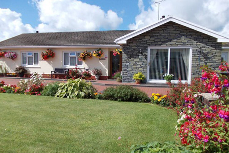 Stoneleigh Bed and Breakfast - Image 1 - UK Tourism Online