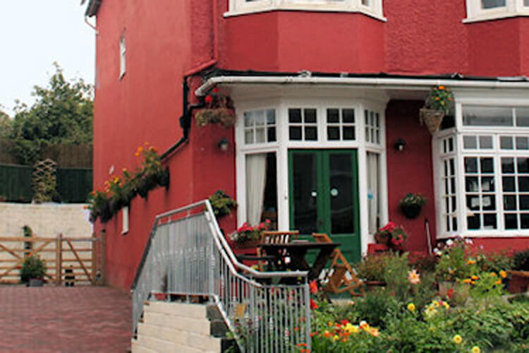 Bryncelyn Guesthouse - Image 1 - UK Tourism Online