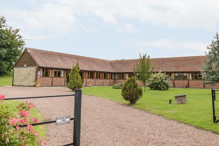 Beesoni Lodge - Image 1 - UK Tourism Online