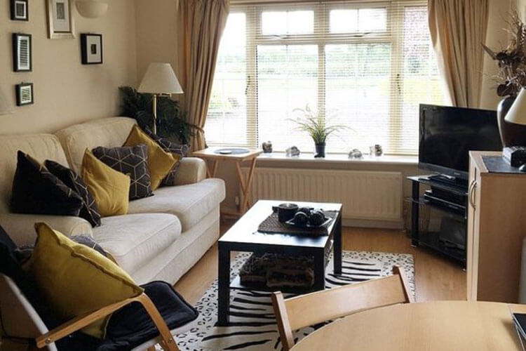 Crofty Towers Luxury Self Catering - Image 2 - UK Tourism Online