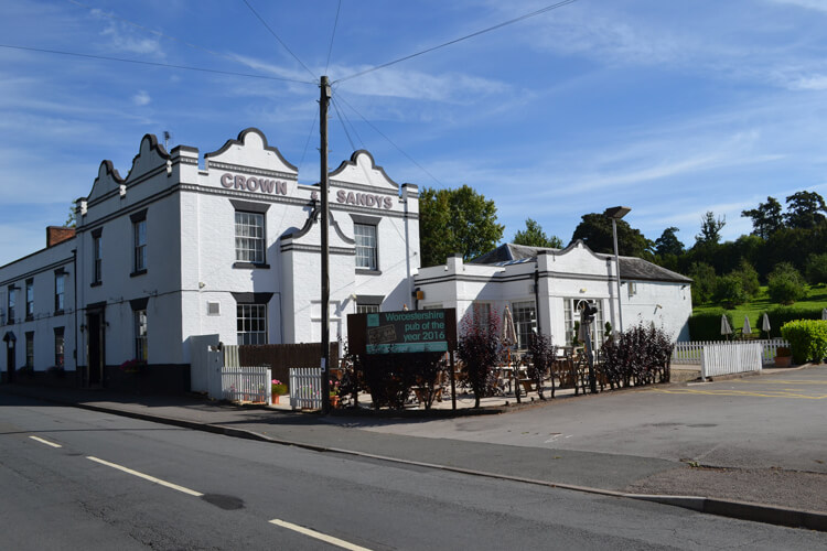 The Crown and Sandys Arms - Image 1 - UK Tourism Online