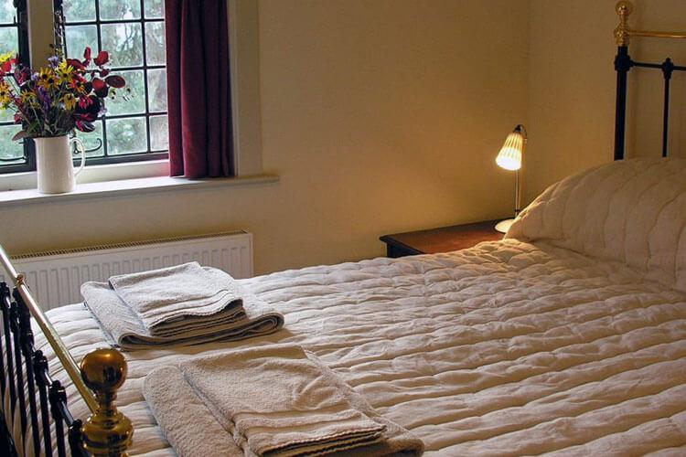 Garden Cottage - Image 3 - UK Tourism Online