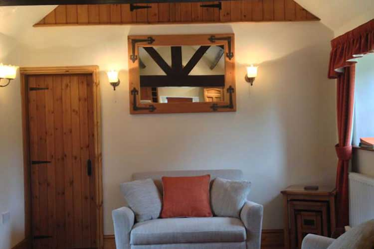 Ann's Cottage & The Old Smithy - Image 4 - UK Tourism Online