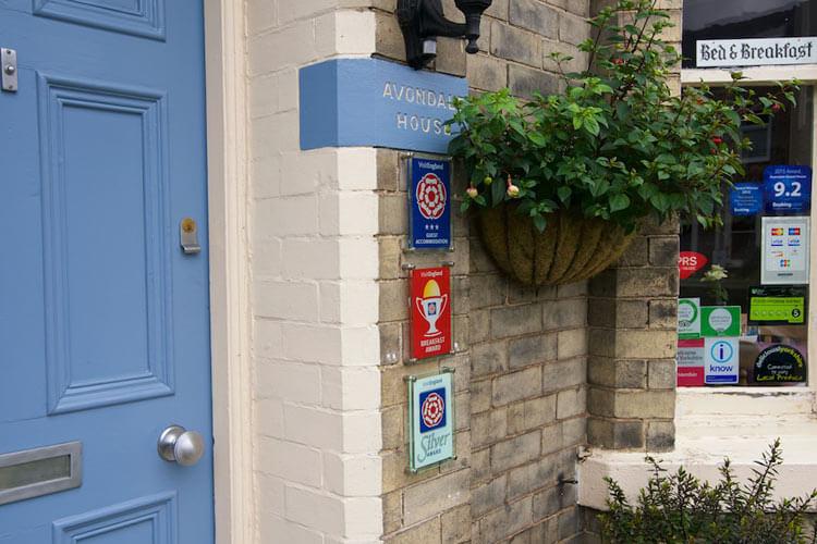 Avondale Guest House - Image 1 - UK Tourism Online