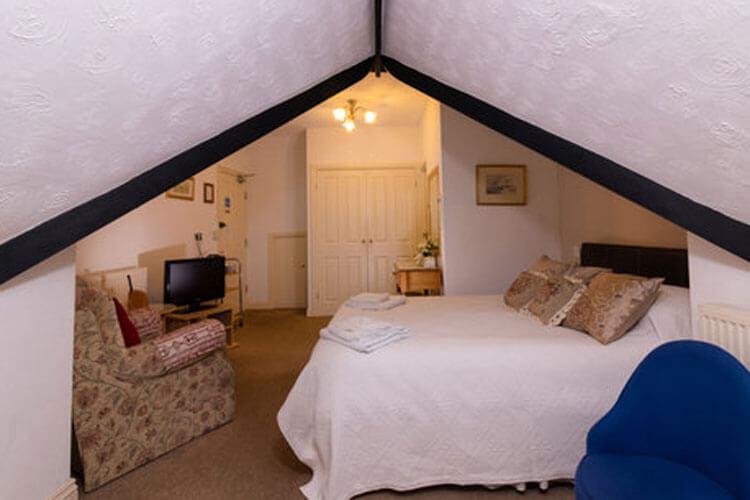 Crescent Lodge - Image 2 - UK Tourism Online