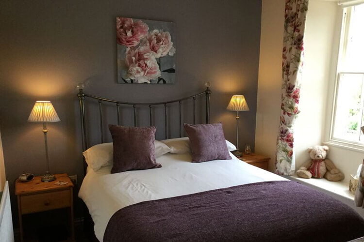 Crown Cottage Farm Bed and Breakfast - Image 4 - UK Tourism Online
