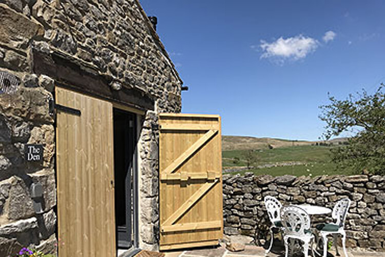 Gauber Bunk Barn & Den - Image 1 - UK Tourism Online