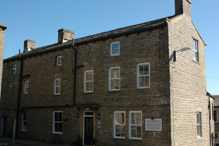 Holmedale Bed and Breakfast - Image 1 - UK Tourism Online