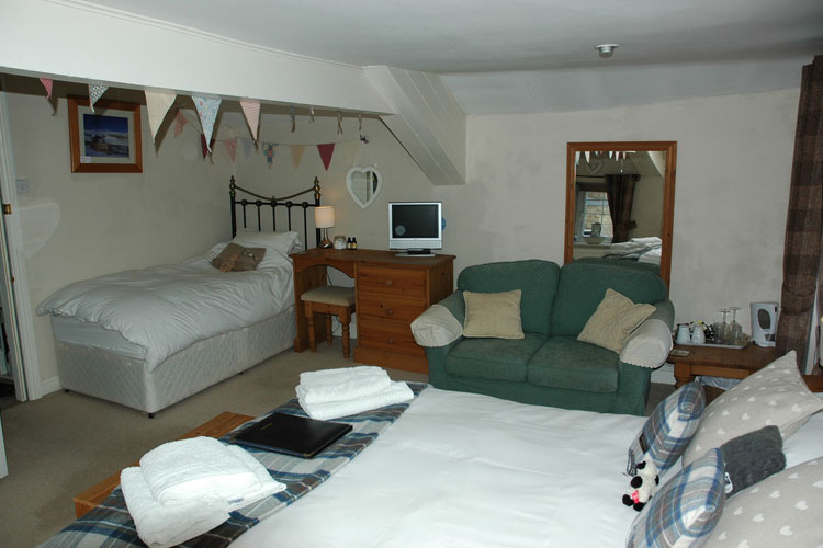 Holmedale Bed and Breakfast - Image 4 - UK Tourism Online