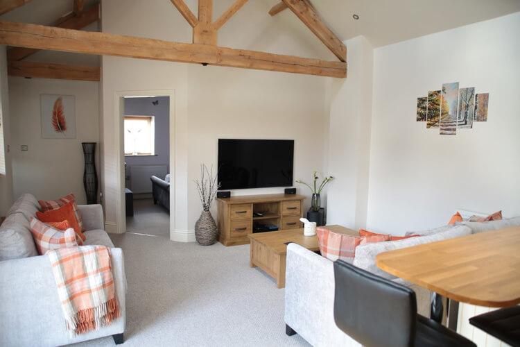Horseshoe Barns Holiday Cottages - Image 2 - UK Tourism Online