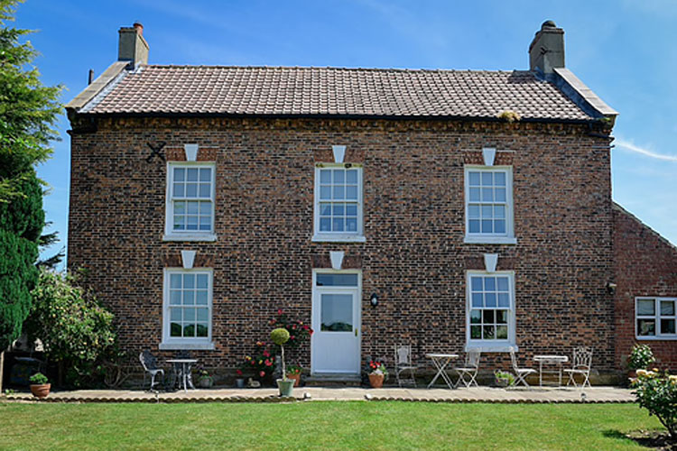 Low Osgoodby Grange - Image 1 - UK Tourism Online