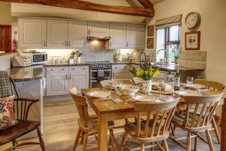 Old Oak Cottages - Image 2 - UK Tourism Online